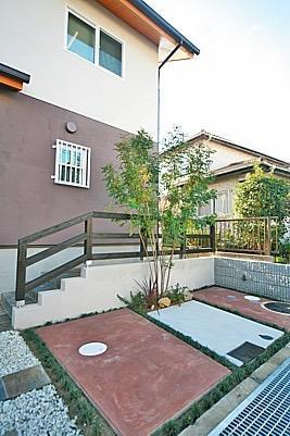 桜の遊歩道を借景に、生活しやすい動線の和モダンの家の写真5