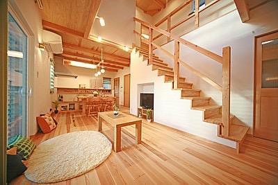 桜の遊歩道を借景に、生活しやすい動線の和モダンの家の写真6