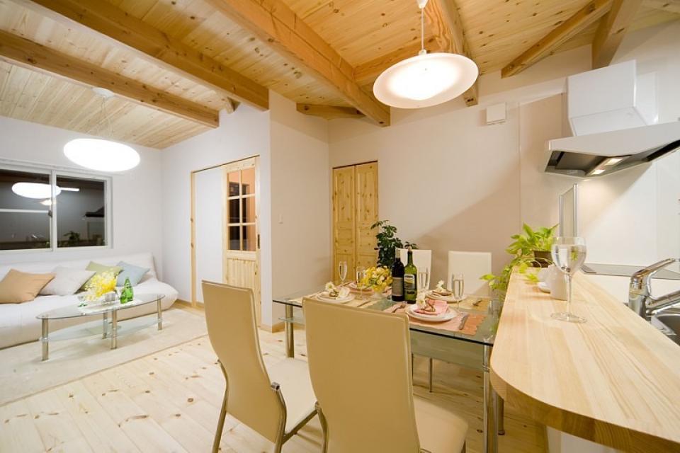 女の子が憧れるマイホーム ~ウッドデッキのある新和風スタイルの住まい~の写真1