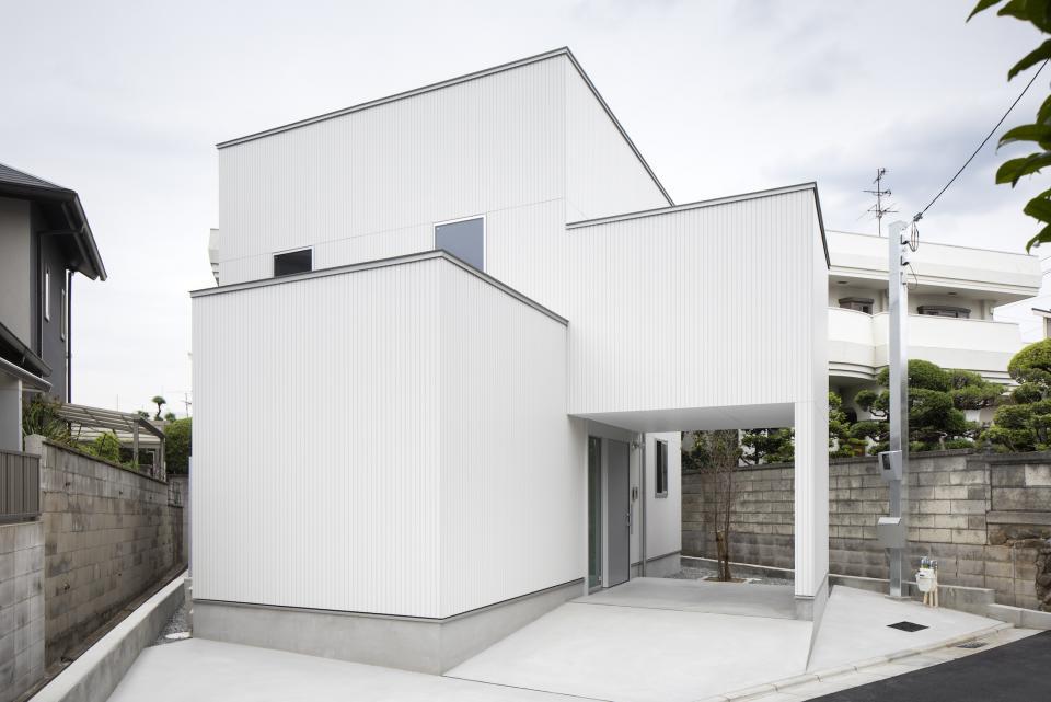 斜格子の住宅の写真6