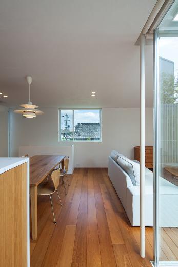 立体テラスのあるコートハウスの写真3