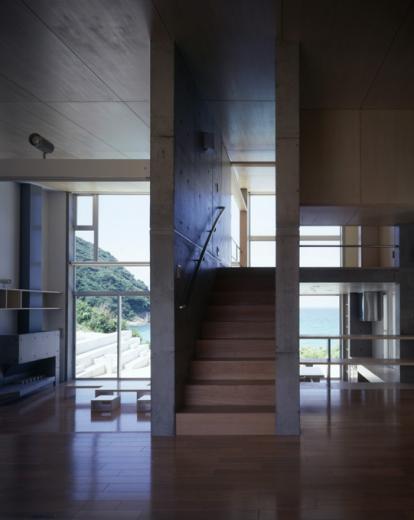 暖炉と大階段のある海辺の別荘 室津・海の家の写真3