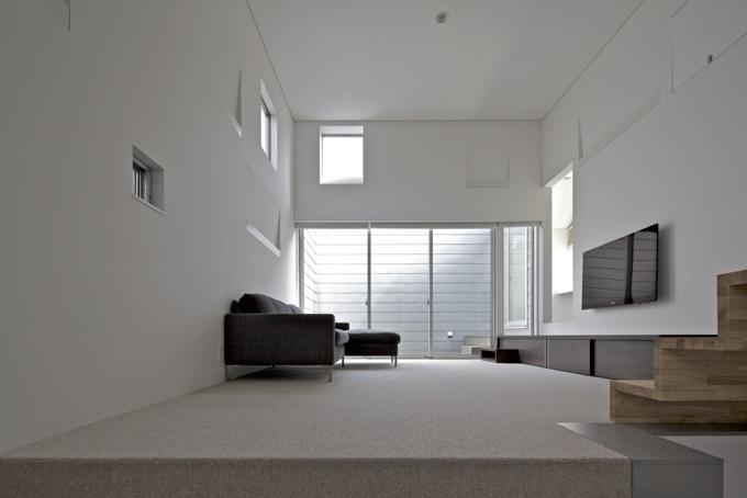 LとDKを大階段でつなぐ住まい 西新小岩T邸の写真0