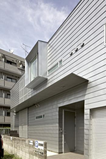 LとDKを大階段でつなぐ住まい 西新小岩T邸の写真2