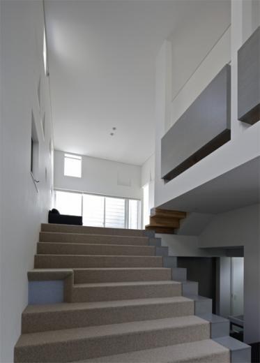 LとDKを大階段でつなぐ住まい 西新小岩T邸の写真4