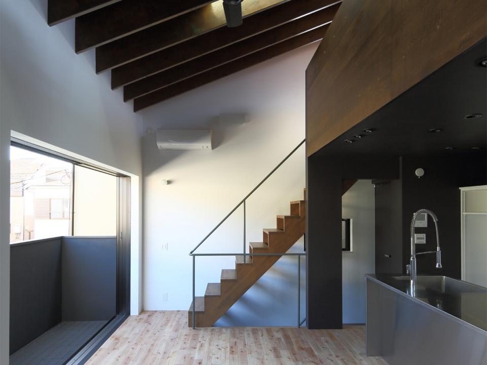 回遊性とコントラストにこだわった狭小住宅 浦安H邸の写真0