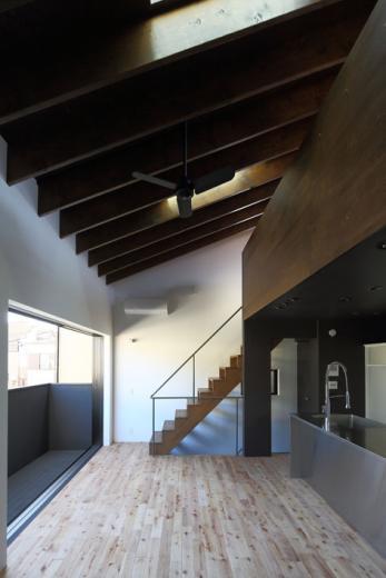 回遊性とコントラストにこだわった狭小住宅 浦安H邸の写真11