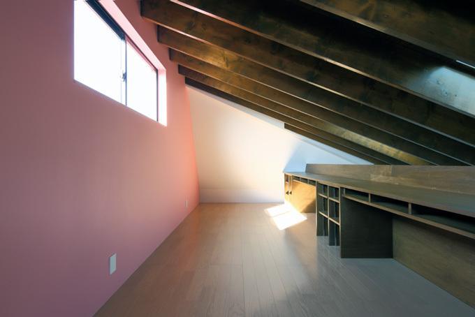 回遊性とコントラストにこだわった狭小住宅 浦安H邸の写真7