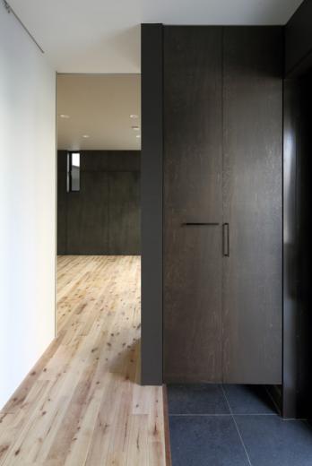 回遊性とコントラストにこだわった狭小住宅 浦安H邸の写真8