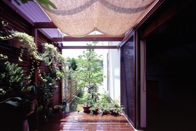 光と風が行きわたるコンパクトなエコハウス 桂台O邸の写真2