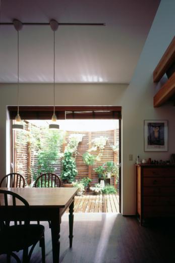 光と風が行きわたるコンパクトなエコハウス 桂台O邸の写真4