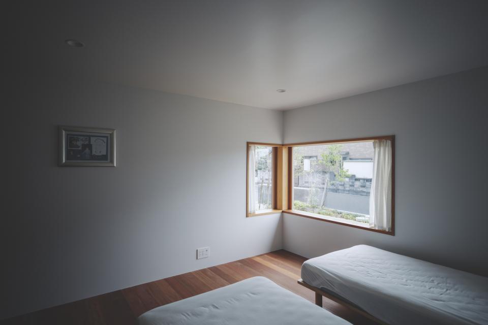 京ケ峰の家〜深い軒に守られた趣のある家〜の写真15