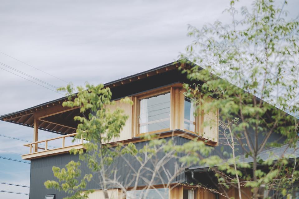京ケ峰の家〜深い軒に守られた趣のある家〜の写真1