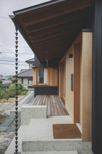 京ケ峰の家〜深い軒に守られた趣のある家〜の写真5