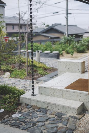 京ケ峰の家〜深い軒に守られた趣のある家〜の写真6