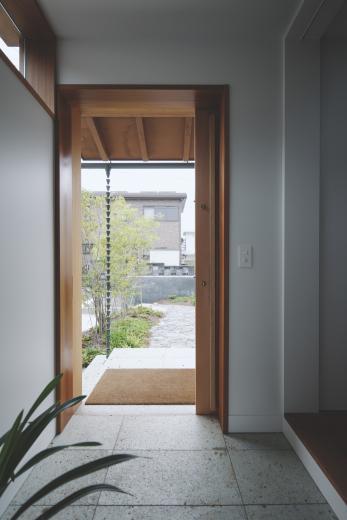 京ケ峰の家〜深い軒に守られた趣のある家〜の写真8