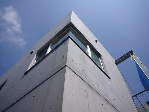 ギャラリーのある二世帯住宅の写真1