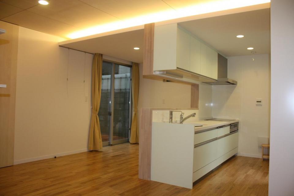 木造三階建て二世帯住宅の写真1