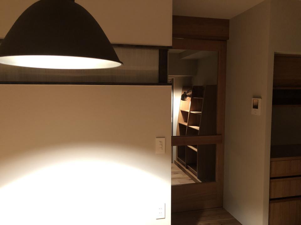 所蔵する本の数が多い家族のマンションのリノベーションの写真20