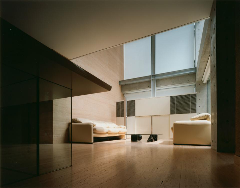 ガラス張りのバスルームのある住宅-FIORIRE-の写真0