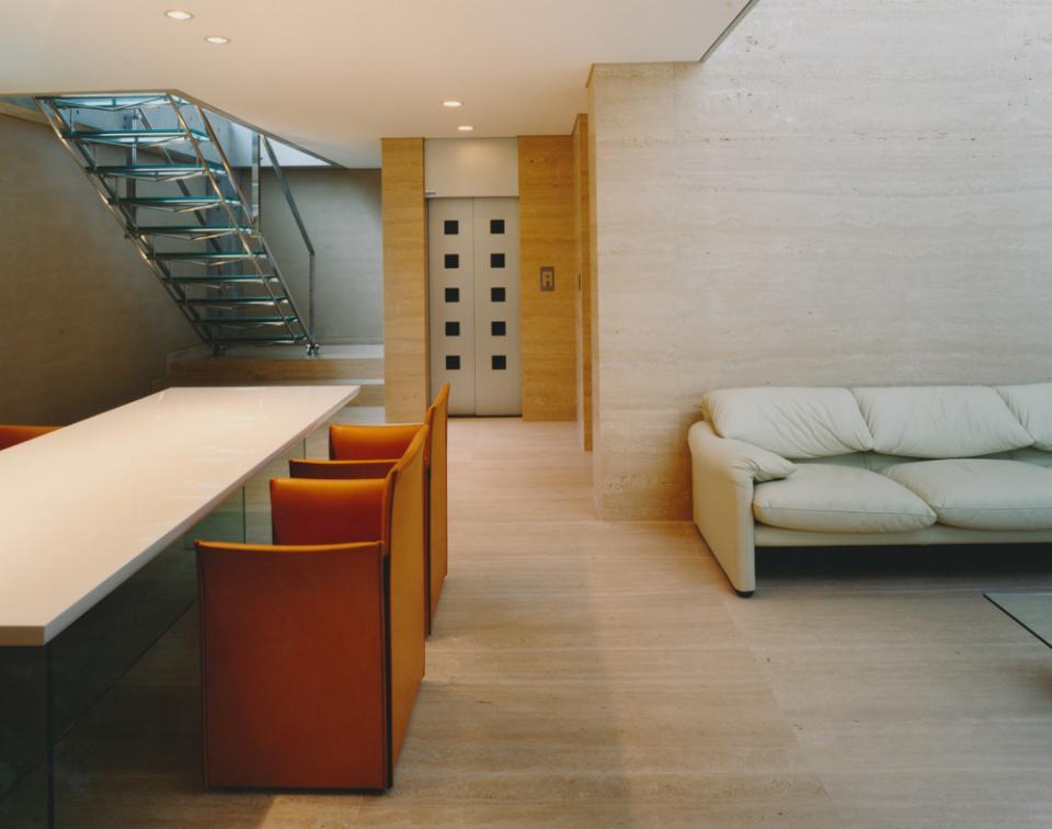 ガラス張りのバスルームのある住宅-FIORIRE-の写真5
