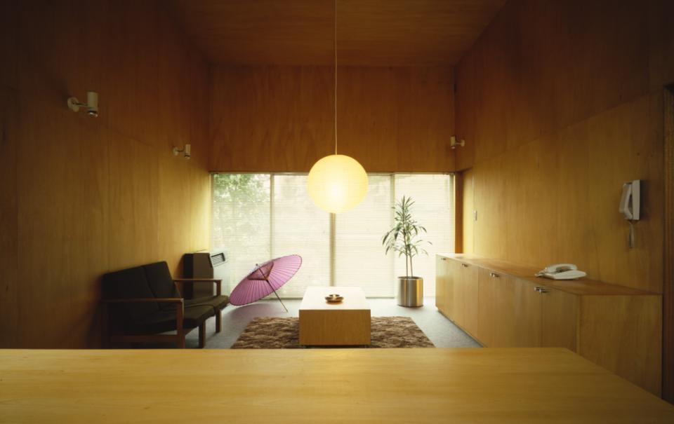 シナ合板の家の写真0