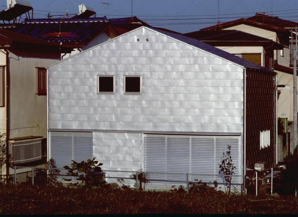 シナ合板の家の写真9