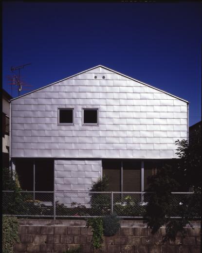 シナ合板の家の写真7