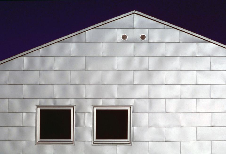 シナ合板の家の写真8